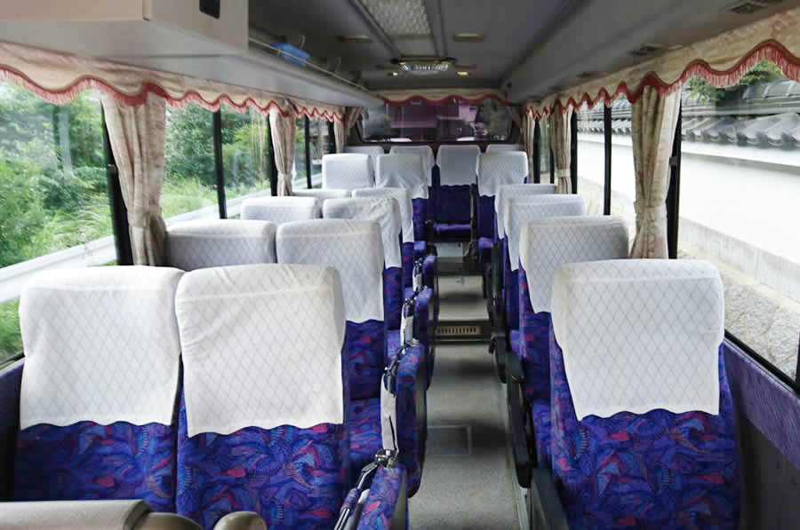 23人乗り小型バス車内全体