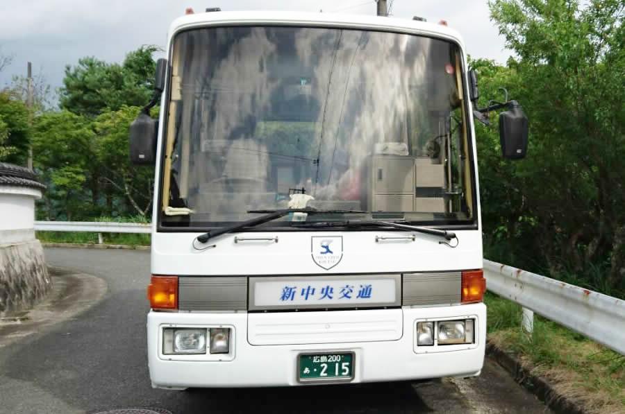 23人乗り小型バス正面