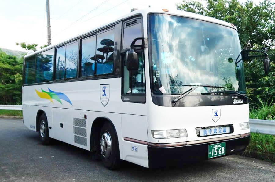 28人乗り中型サロンバス全体